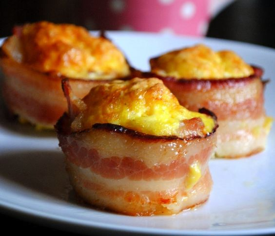 Mini Bacon Egg Cups Yep, bite sized bacon and egg awesomeness. Simply ...