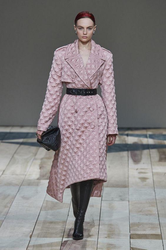 Défilé Alexander McQueen automne-hiver 2020-2021 Prêt-à-porter - Madame Figaro