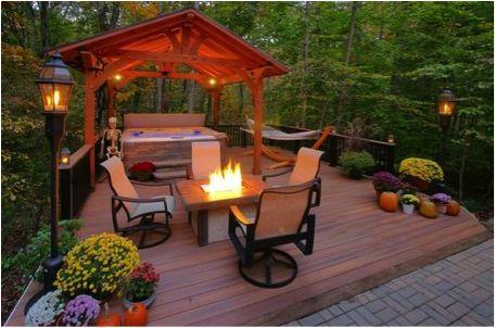 Deck Building Tips for the Fall Season | fiberondecking.com
