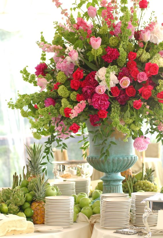 Buffet Centerpieces And Table