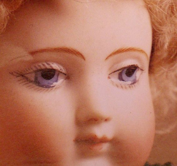 closeuip+of+antique+Huret+eyes.jpg (1098×1028)