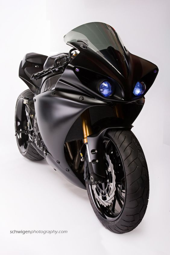 Star Rotors 2009 Yamaha R1 Batman Build. Badass! #CBT #Motorcycle #Motorbike www.GetMyCBT.com