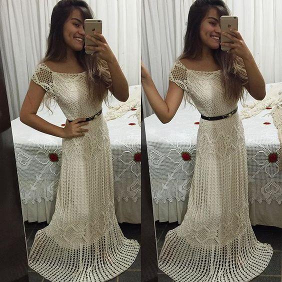 Vestido disponível beje e branco do36 ao 44