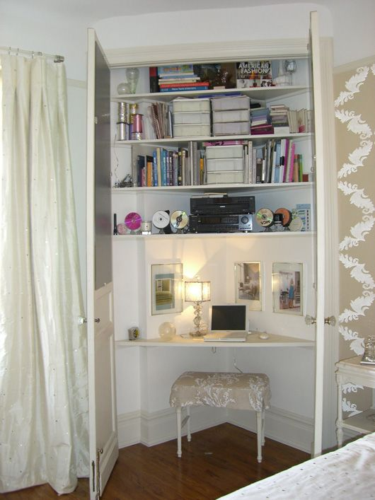 Turn closet or a corner into an office!  http://meeellyy.blogspot.fr/2014/02/how-to-turn-closet-into-office.html