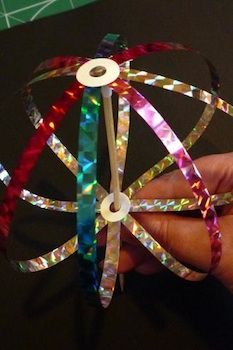 Make a Japanese bubble spinner toy.