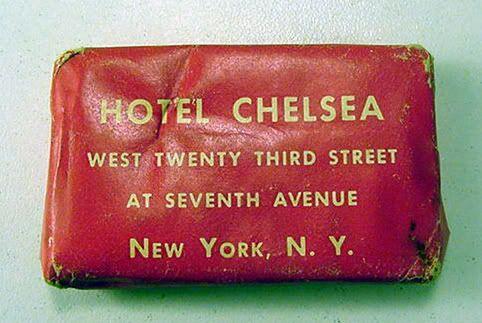 Vill du hitta en av dessa som en memento.  Long live Hotel Chelsea, nu stängd för allmänheten.