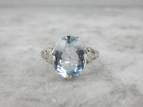Structural Art Deco Ladies Ring in White Gold with Fine Aquamarine, TRMHQT-N