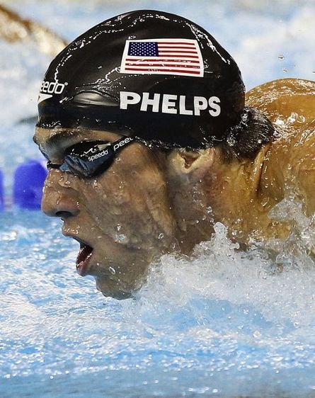 Michael Phelps, good swimmer. Michael Phelps, buen nadador. Él ganó muchas medallas en las olimpiadas de londres 2012 y fue el récord de medallas en las olimpiadas.:
