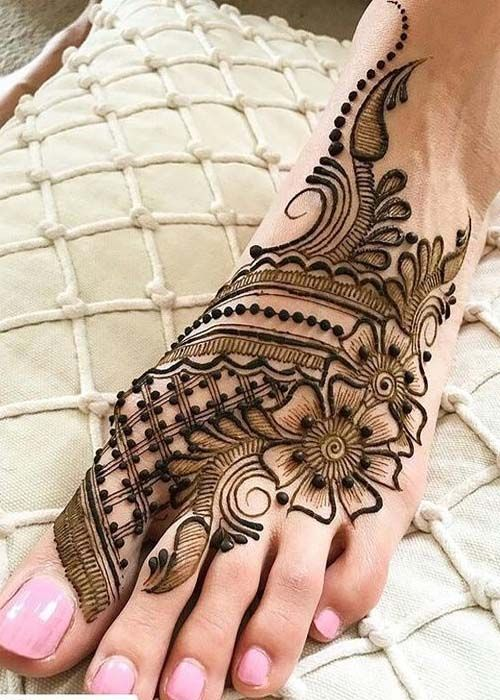 Most Trendy Mehndi Designs for Feet 2019