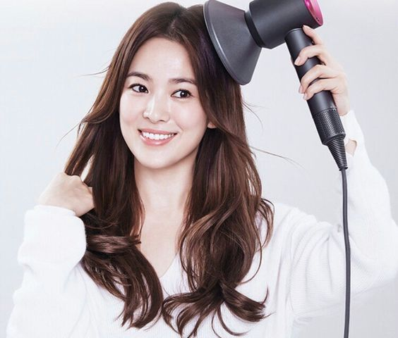 song hye kyo 송혜교 宋惠敎 dyzon supersonic hairdryer 11.11.2016:
