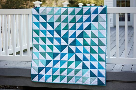 Monochromatic quilt for Project Modern Challenge by MyFabricObsession, via Flickr