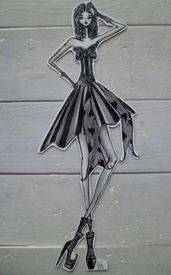 """""""Figurines"""" en la materia Recursos Expresivos a cargo de la docente Gisela Sotomayor.  Alumna Florencia Conrrad de 2º año del turno noche."""
