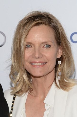 Michelle Pfeiffer | 64 Gorgeous Celebs Over 50