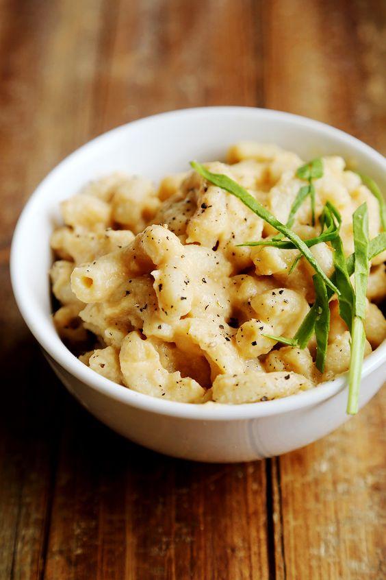 Vegan mac and cheese, Creamy cauliflower sauce and ...