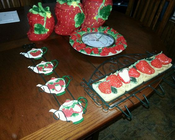 Strawberry kitchen decor 28 images strawberry 8x10 photograph kitchen decor 17 best ideas - Strawberry themed kitchen decor ...