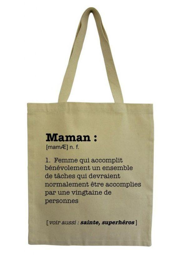 Qu'est-ce qu'une mère ? Réponse sur ce tote bag original pour maman ou futur maman.   Disponible sur le site Les Petits Frenchies, 12,74€