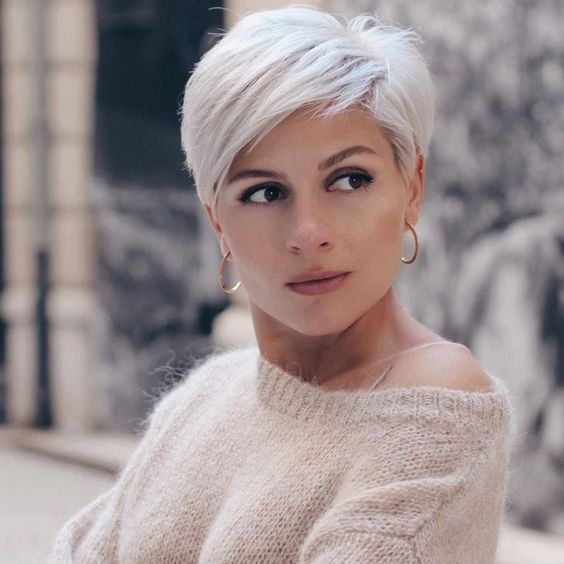 40+ Charming Short Hairstyles for Summer 2020 #shorthairstyleideas #hairstyleforwoman #womanhairstyle » Beneconnoi.com