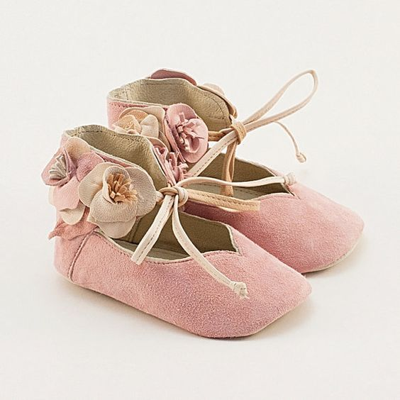 Light pink leather baby shoes with flowers ♥ by Vibys on Etsy, $60.00