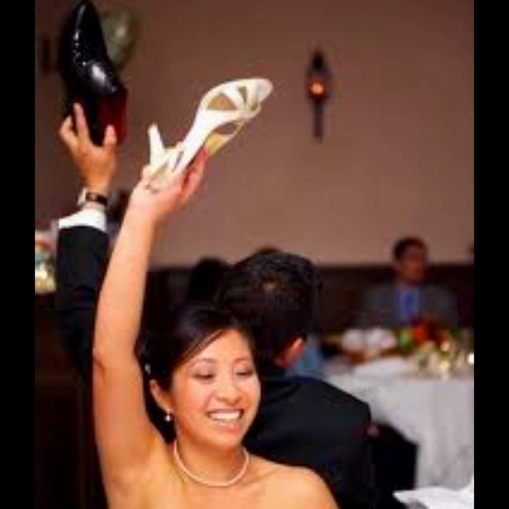 The Wedding Shoe Game! I Saw This On Four Weddings. Bride