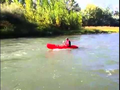 Dejaron la mar por un día en pro de #RiojaAlavesa. Navegaron por el río Ebro. http://riojaalavesa.blog.euskadi.net/dejaron-la-mar-por-un-dia-en-pro-de-rioja-alavesa-navegaron-por-el-rio-ebro