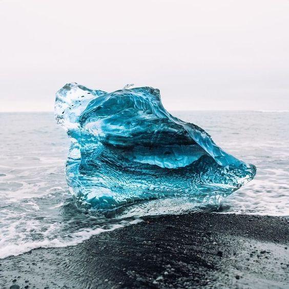 Jökulsárlón – Gletscher-Lagune auf Island   17 echte Orte, die vielleicht doch Portale in die Zauberwelt sind