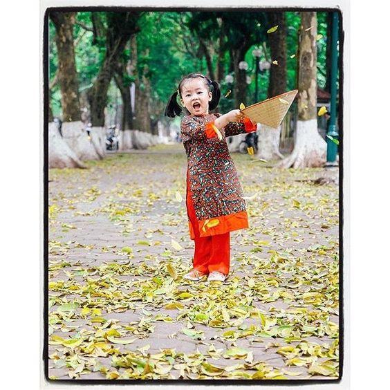 Em bé Hà Nội | Cute #girl in #Hanoi. #Vietnam.  Photo by @sad_ballad. ____ by ig_vietnam