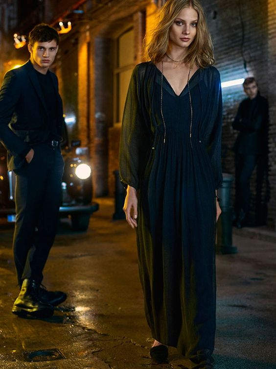 A night out on the town has never looked more stylish thanks to Massimo Dutti's new Evening collection. The Spanish fashion brand showcases its fall-winter styles with models Sofía Sánchez de Betak, Anna Selezneva, Clément Chabernaud, Oriol Elcacho and Julian Schneyder stepping out in dark looks. From leather jackets to little black dresses and bohemian …