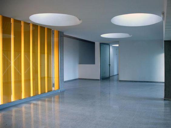 """Vista interior. Centro dotacional """"El Lasso"""" por Romera y Ruiz Arquitectos, Las Palmas de Gran Canaria, España. Fotografía © Estudio Romera y Ruiz."""