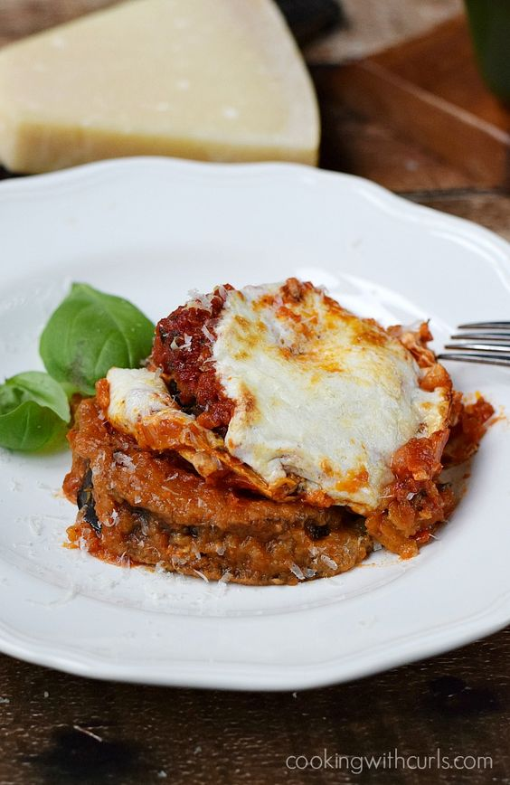 Gluten-free Eggplant Parmesan, baked not fried and topped with Homemade Marinara Sauce | cookingwithcurls.com #BretonGlutenFree #CleverGirls