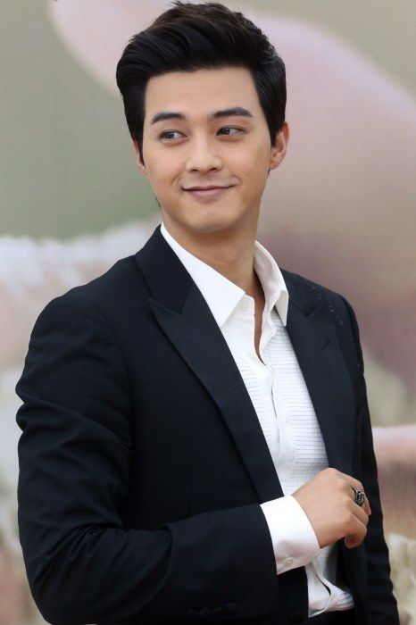 Pin On Korea Actors
