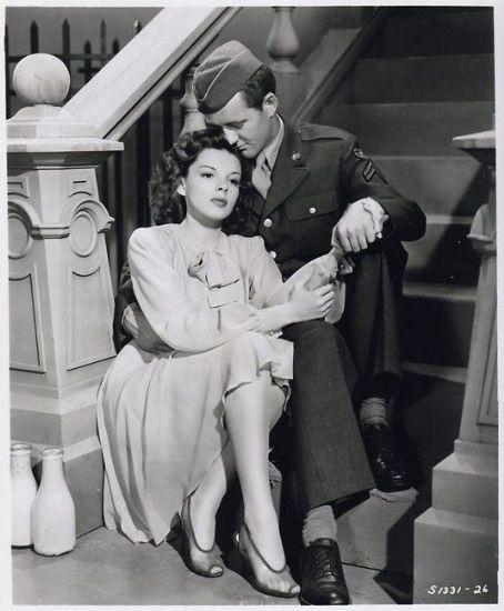 "Judy Garland and Robert Walker in ""The Clock"" (1945)"