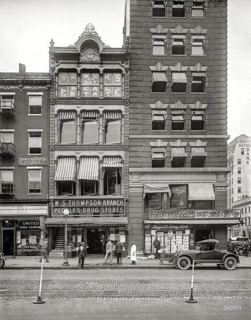 "People's Drug Store, 15th St & New York Ave N.W."" Washington, D.C., c 1920. http://j.mp/2bNjSlK National Photo"