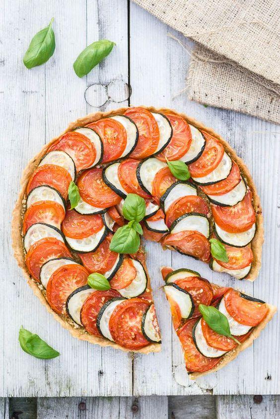 Tomato zucchini tart (vegan)