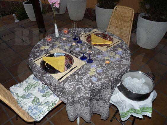 Cómo decorar una mesa romántica
