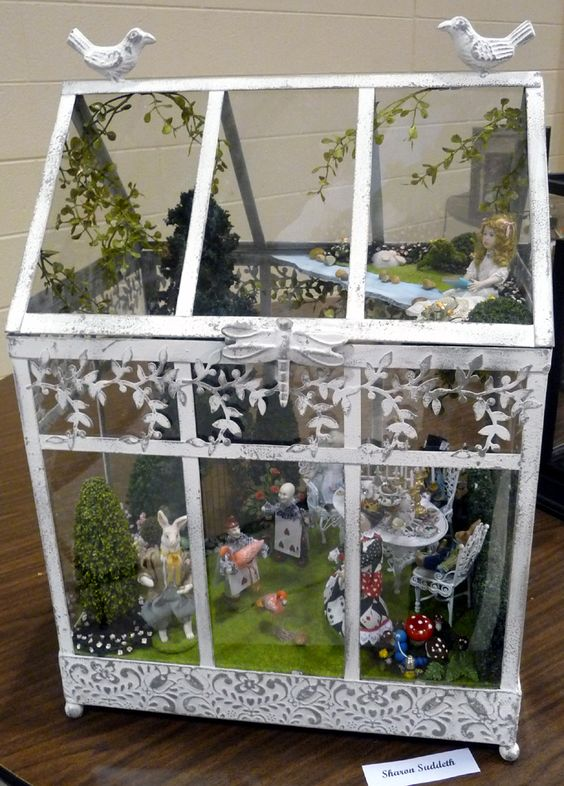Miniature Alice In Wonderland Scene By Sharon Suddeth Terrariums And Other Little Gardens