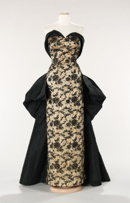 House of Balmain   Designer: Pierre Balmain. Date: 1953 Culture: French Medium: silk, rhinestones: Evening Dresses, Silk Rhinestone, Pierre Balmain, Vintage Fashion, Metropolitan Museum, 1950, Vintage Style