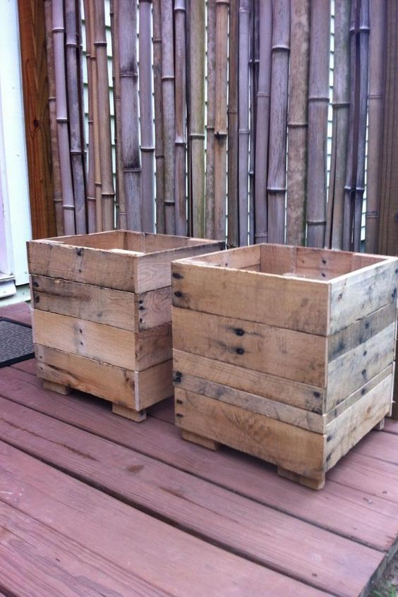 planter boxes made from pallet wood