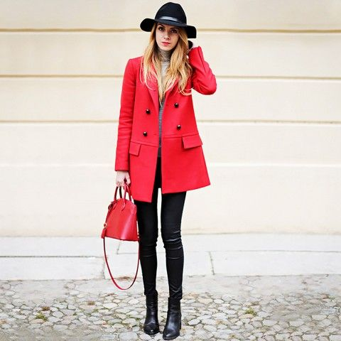 Outfit-Ideen, Street Styles and Rote Mäntel on Pinterest