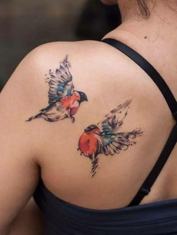 253 Tatuajes De Aves Pajaritos A Color O Grises Tatuajes De Aves Tatuajes De Aves Pequenas Tatuajes De Pajaros Volando