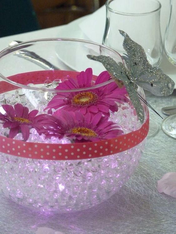 Vase Boule En Verre Billes D 39 Eau Leds Roses Et Marguerites