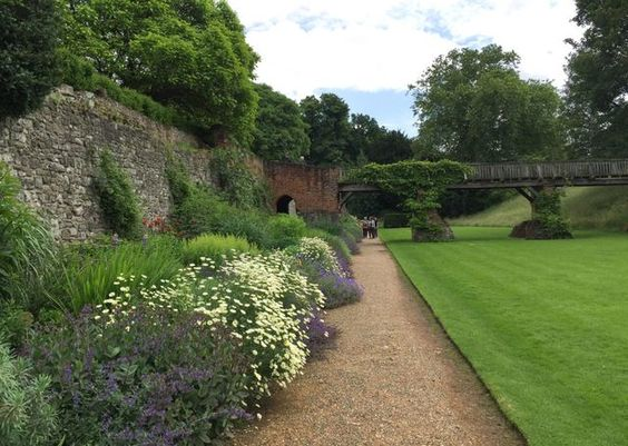 Once you enter the grounds of Eltham Palace, you'll find it hard to believe you're still in Zone 3 of central London. It's by far Greenwich's best kept secret and well worth a jaunt if you want to esc