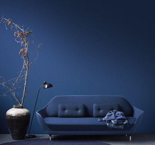 wandfarbe blau und lixus möbelstück blau-Sofa Favn von Jaime Hayon ...