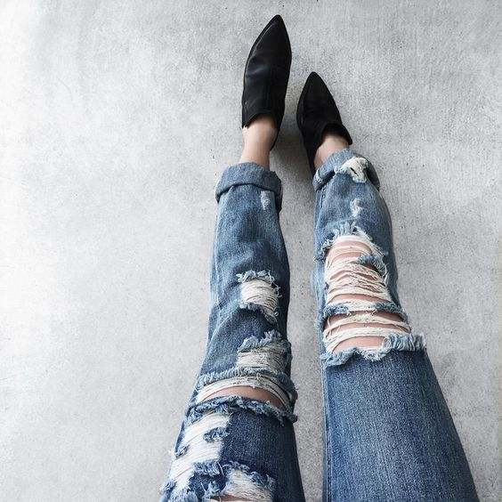 The best way to distress your denim // DIY
