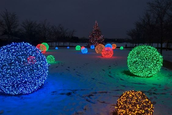Christmas Lights Etc How To Make Chicken Wire Balls With
