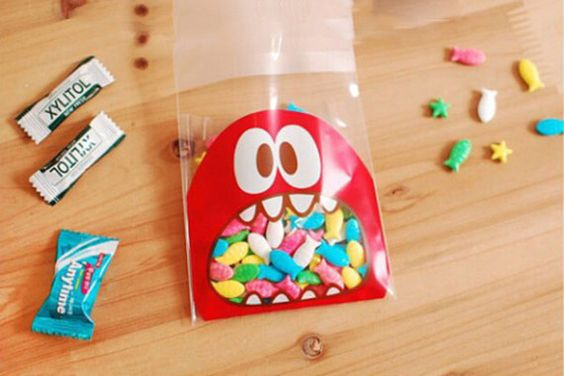 Monster Cookie Bags - Red (20 pcs / 10cm x 11cm) Self Adhesive Resealable Bags for Gift Packaging Candy Bags P0314