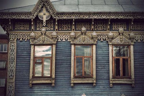 The New Victorian Ruralist: Wooden Houses, Russian Architecture, Russian Houses, Doors And Windows, Favorite Places Spaces, Doors Windows, Russian Window, Blue House