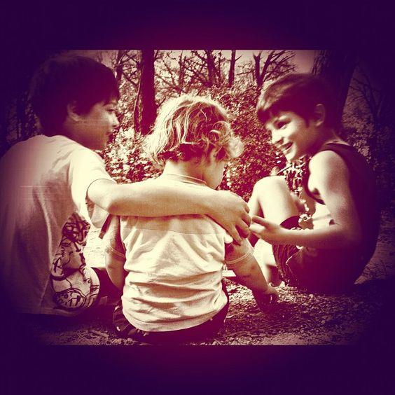 "@ghisinidola's photo: ""Piccole conversazioni tra fratelli."""