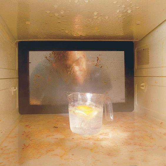 how to clean microwave door