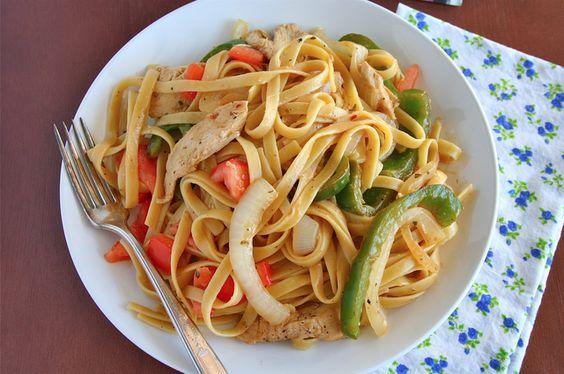 Chicken Fajita Pasta: Grub Chicken, Chicken Recipes, Chicken Fajitas, Pasta Chicken, Grubbs Grub, Mexican Recipes, Favorite Recipes, Mama Grubbs