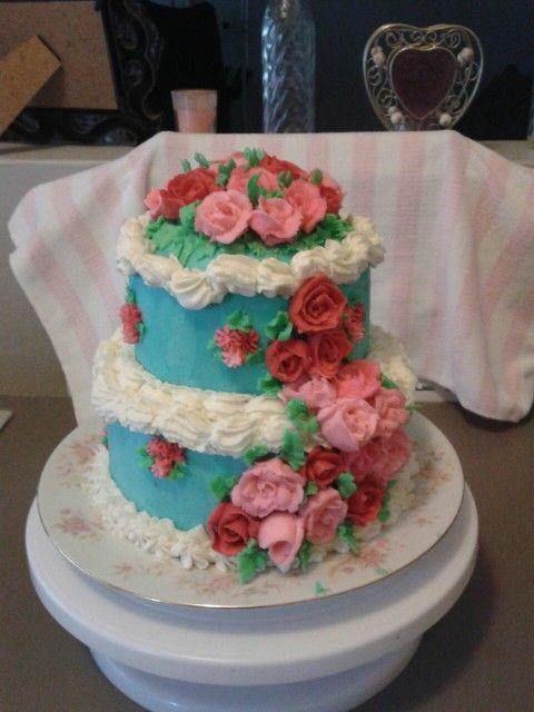 Shabby buttercream cake